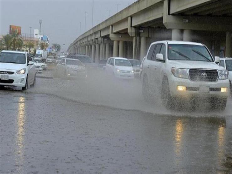 بالفيديو  مشاهد مروعة من سيول الكويت.. المياه تجرف كل شيء