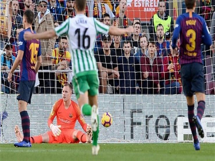 بالفيديو.. برشلونة يسقط أمام بيتيس برباعية مع عودة ميسي