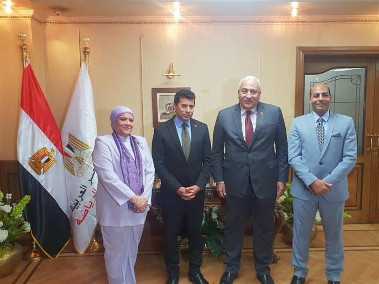 رئيس جامعة السادات يلتقي بوزير الشباب والرياضة لبحث سبل التعاون
