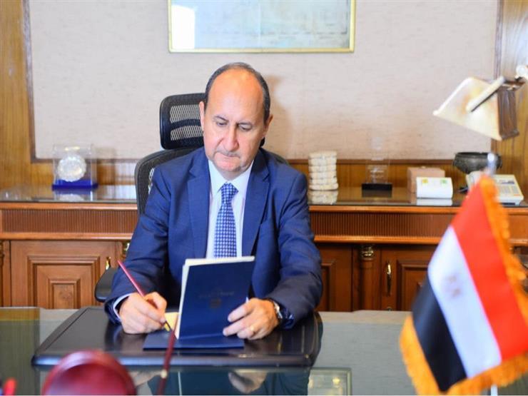 وزير التجارة: ملتزمون بتنفذ اتفاقية إعفاء السيارات الأورويية من الجمارك