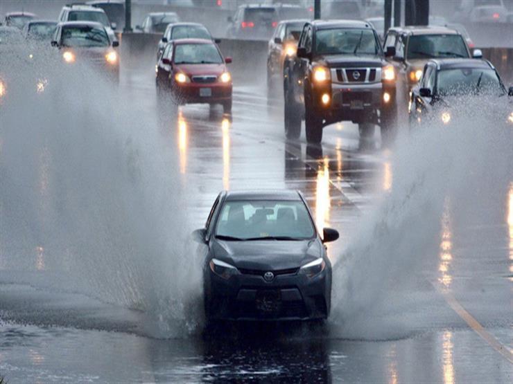 كيف تتعامل مع السيارة المتضررة من مياه الأمطار؟