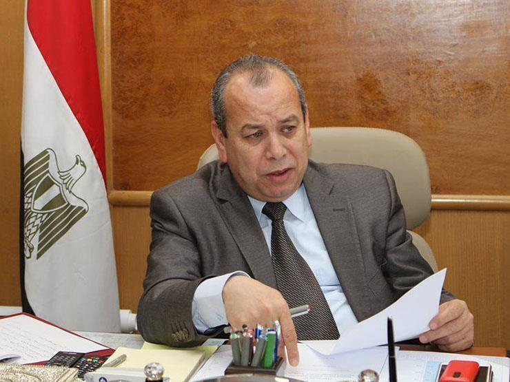 """محافظ كفر الشيخ يحيل 15 موظفًا في """"صحة دسوق"""" إلى التحقيق"""