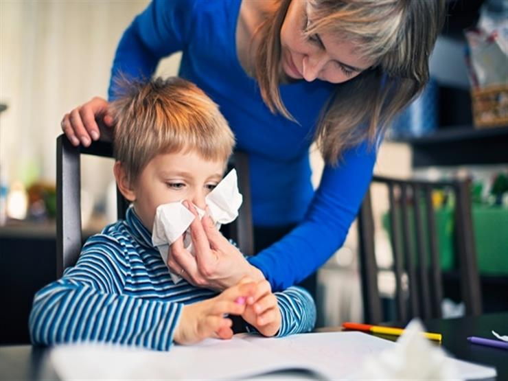 للأمهات.. 7 نصائح لوقاية طفلِك من نزلات الإنفلونزا في الصيف