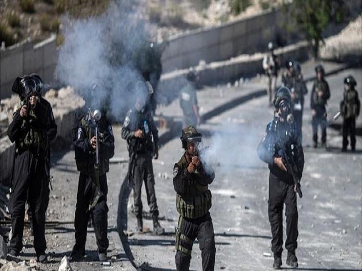 استشهاد فلسطينية وإصابة 7 آخرين بينهم صحفي برصاص الاحتلال على حدود غزة