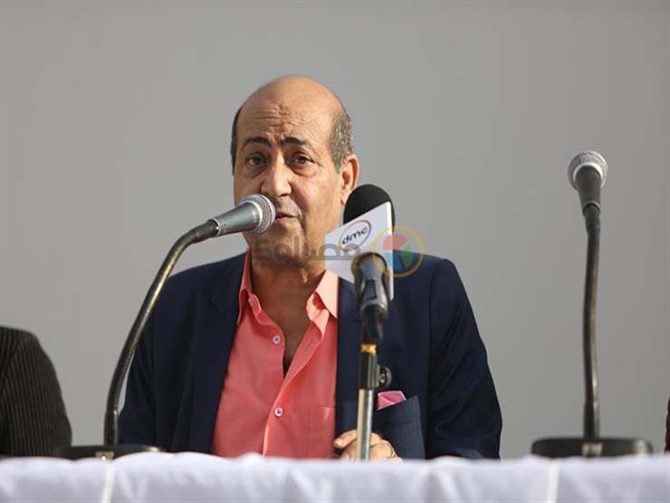 """بعد إثارته الجدل في """"القاهرة السينمائي"""".. طارق الشناوي يدافع عن """"ليل خارجي"""""""