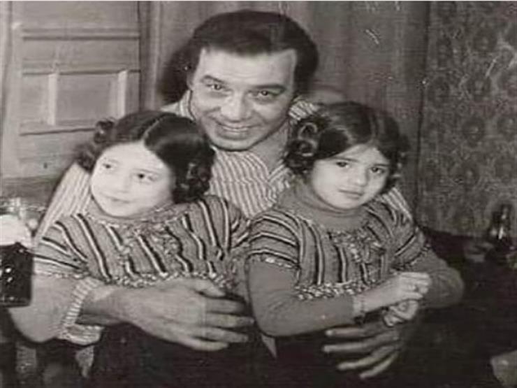رانيا فريد شوقي تنشر صورة نادرة بصحبة والدها وشقيقتها