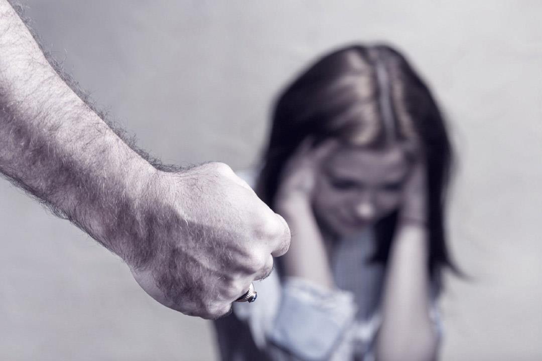 قد يقتل.. واحدة من كل 3 نساء يتعرضن للعنف فهل يمكن تجنبه؟