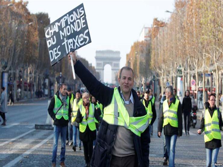 وزير فرنسي يتوعد متظاهري السترات الصفراء بالاعتقال