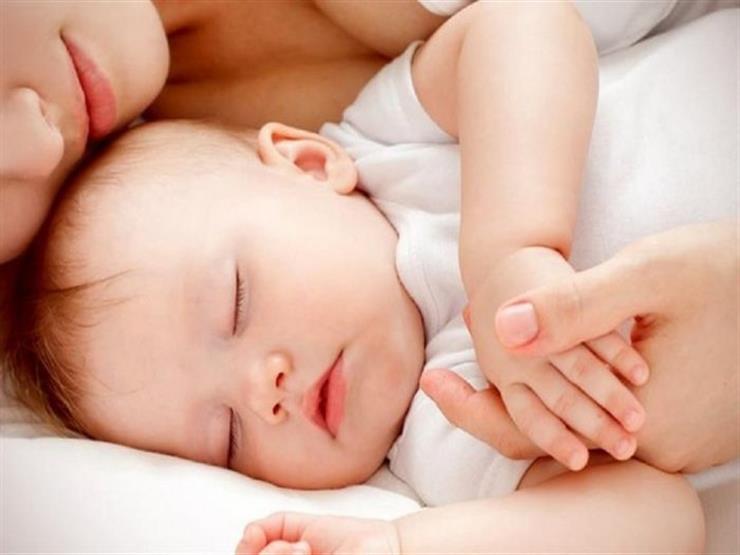 عدم نوم الطفل لساعات طويلة متصلة أمر يقلق؟.. دراسة تجيب