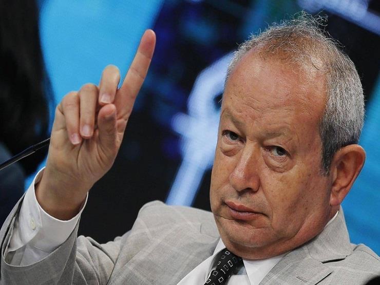 """بعد تعليق الرحلات البريطانية لمصر.. ساويرس: """"اللي يخاف من العفريت هيطلعله"""""""