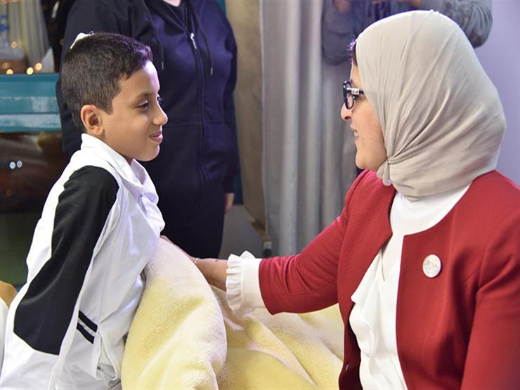 الصحة: أحمد عكاشة يشرف على التأهيل النفسي لمصابي حادث المنيا