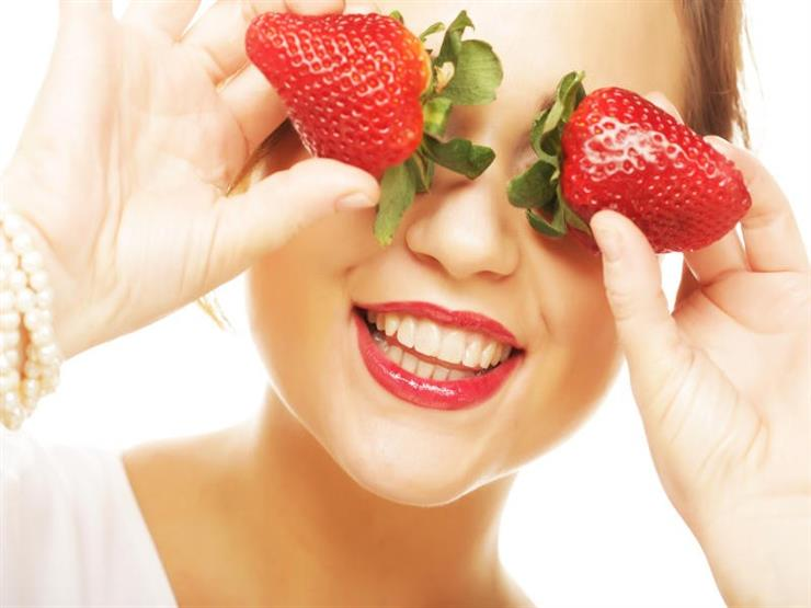 تعرفي على فوائد عصير الفراولة للبشرة.. منها علاج حب الشباب