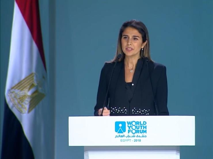 سارة أبوشعر للسيسي: أول مرة أرى رئيسًا يخصص وقته كله للشباب