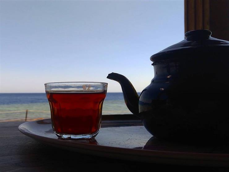 ما سر عشق شرب الشاي في أكواب زجاج؟