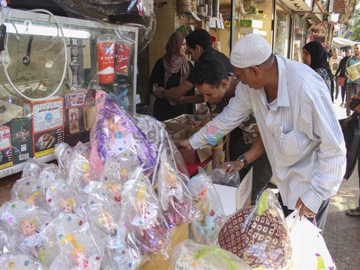 عروسة وحصان.. الخامات ترفع أسعار هدايا المولد هذا العام...مصراوى