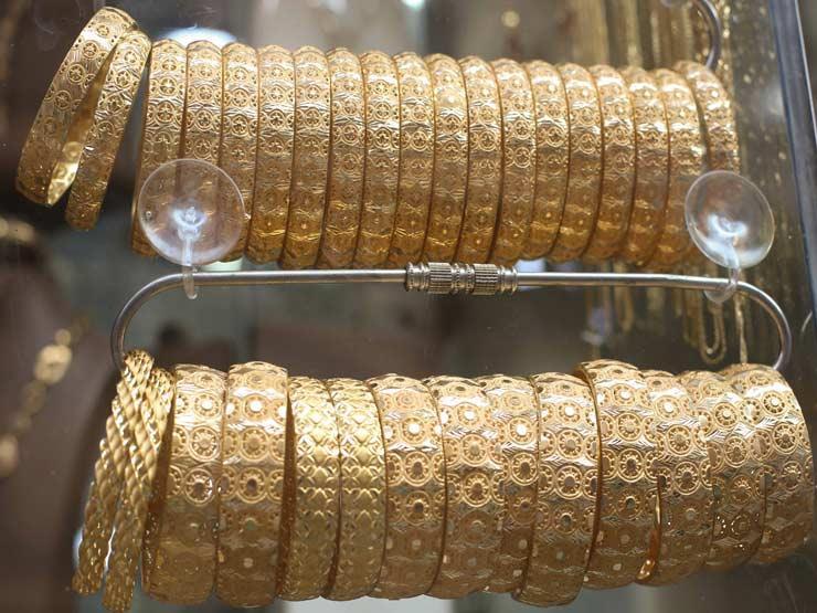 أسعار الذهب تنخفض محليًا بعد تراجعها عالميًا لأدنى مستوى في أسبوع