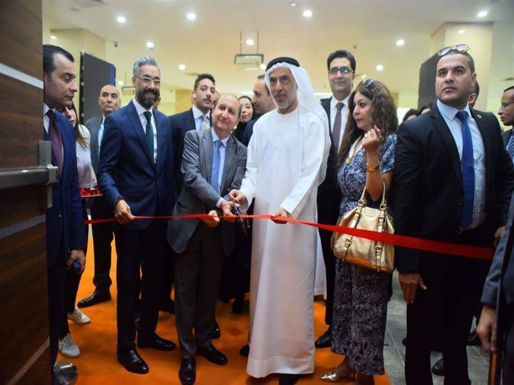 """وزير التجارة يفتتح معرض """"ICS"""" للسيراميك والأدوات الصحية"""