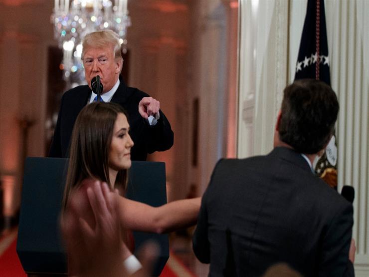 """مواجهة ترامب و""""سي إن إن"""".. دعم للصحفي ودعوة لمقاضاة البيت الأبيض"""