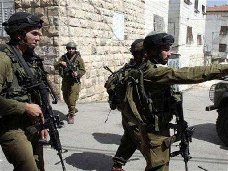 الاحتلال الإسرائيلي يعتقل 15 فلسطينيا من الضفة الغربية