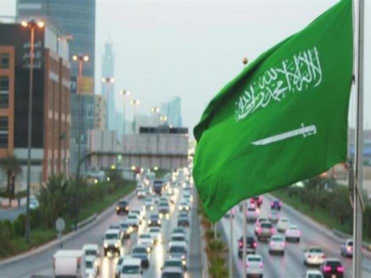 بلومبرج: السعودية تُعيد النظر في رسومها على الوافدين