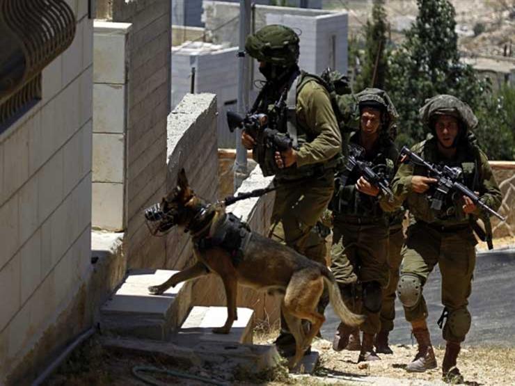 """قوات إسرائيلية تداهم وكالة الأنباء الفلسطينية """"وفا"""""""