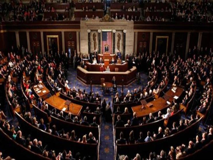 """أعضاء بمجلس الشيوخ الأمريكي يحذرون من """"أزمة دستورية"""" في عهد ترامب"""