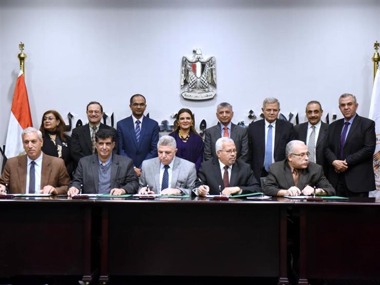 توقيع الاتفاق التنفيذي لبرنامج الصرف الصحي بالمناطق الريفية في 5 محافظات