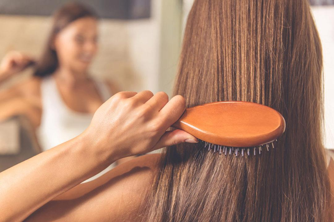 8 فيتامينات وعناصر غذائية لإطالة وتعزيز نمو الشعر | الكونسلتو