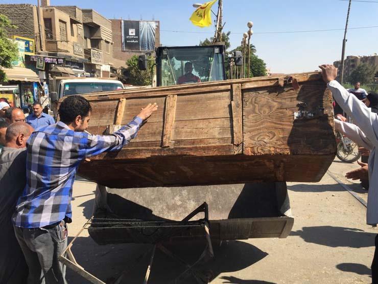 الشرطة تشن حملة لإزالة إشغالات المنطقة الأثرية في الهرم