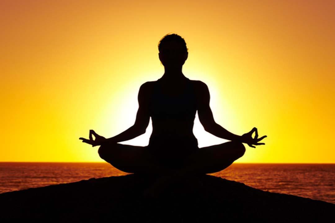 جوانب سلبية لممارسة التأمل.. يصيبك بهذه المشكلات العقلية