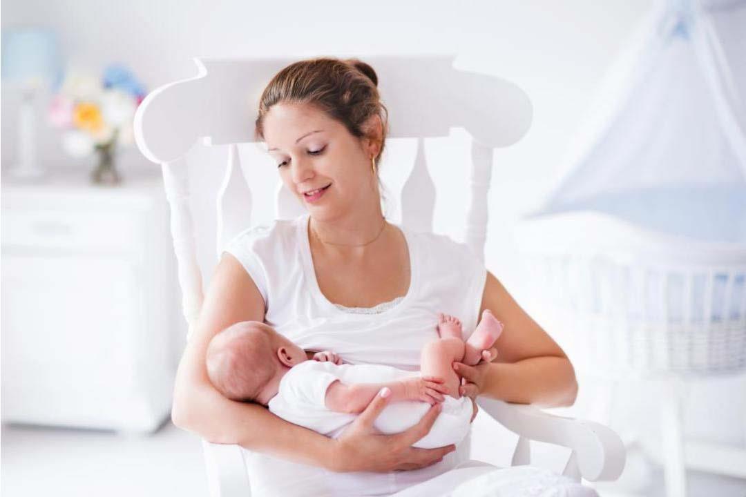 طول فترة الرضاعة الطبيعية يخفض خطر الإصابة بأمراض في الكبد