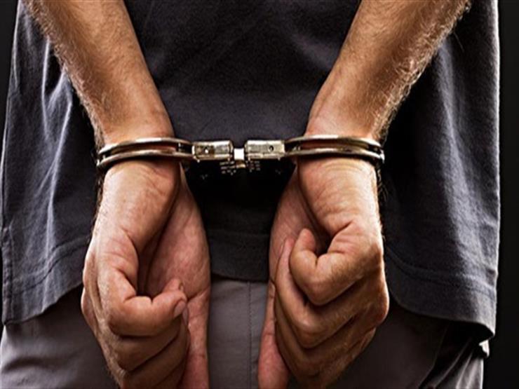 القبض على طالب تحرش بابنة عمته في درس خصوصي
