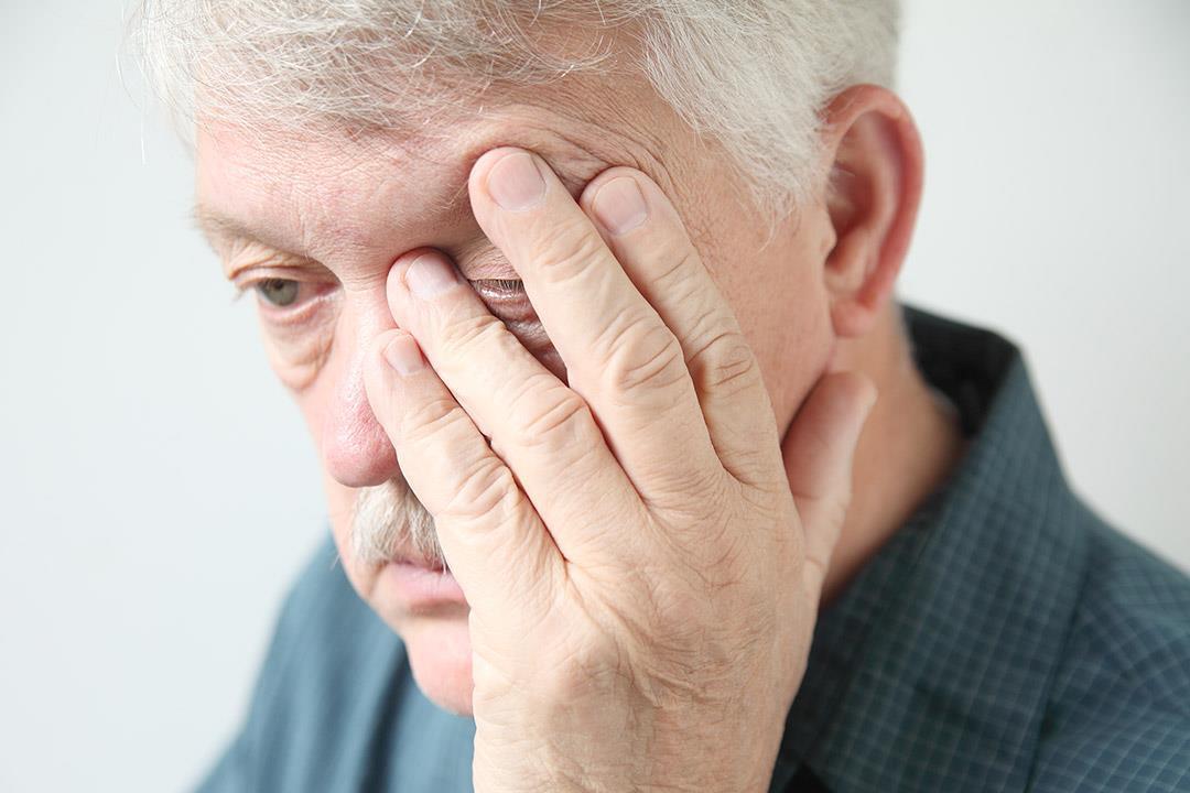 """""""التدخين"""" يؤدي إليه.. التنكس البقعي يهددك بالعمى لهذه الأسباب"""
