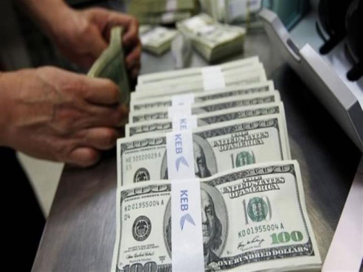 الدولار يستقر في 10 بنوك مع بداية تعاملات الأحد