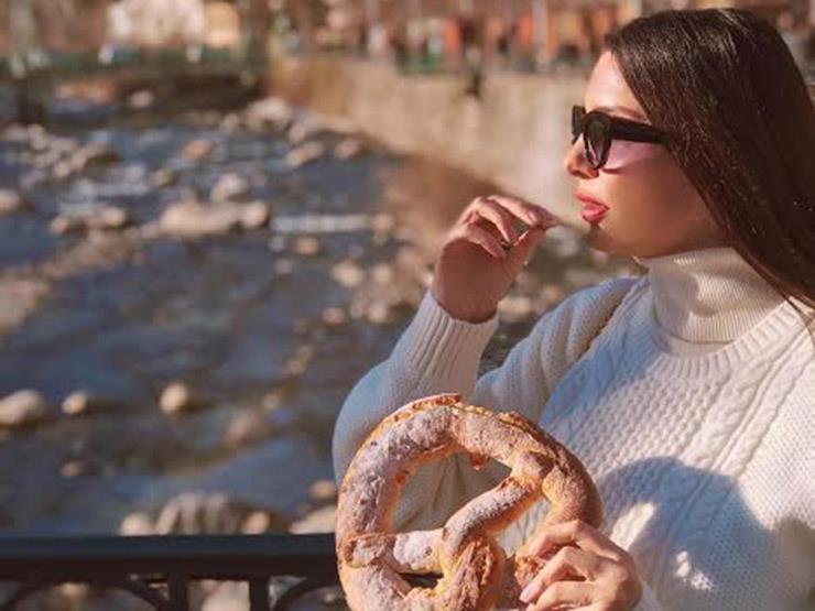 لاميتا فرنجية في جلسة تصوير بميلانو الإيطالية