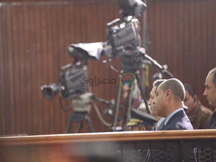 """مبارك في """"اقتحام السجون"""": الأنفاق موجودة قبل 25 يناير بكثير"""