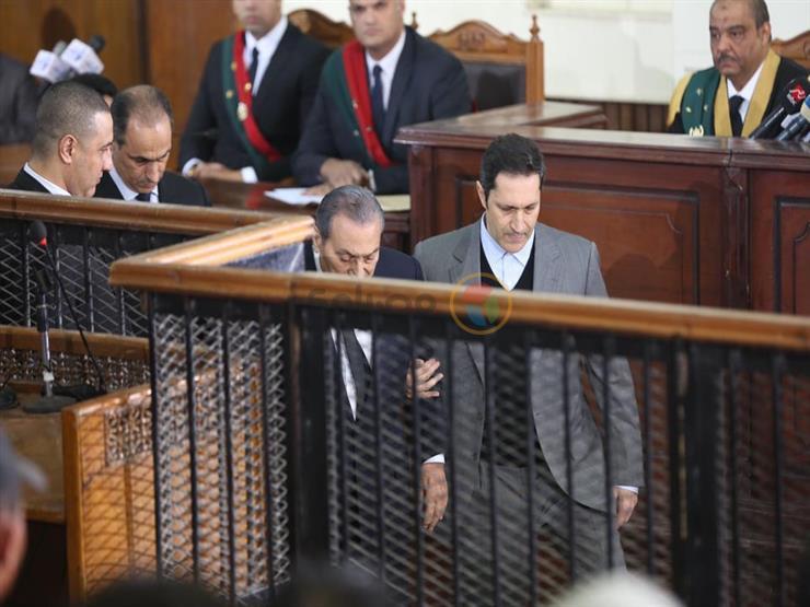 """مبارك: سلمت السلطة للقوات المسلحة """"حتى لا تسقط الدولة"""""""