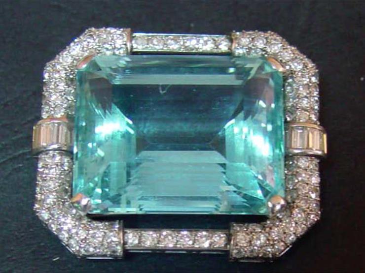 c9112309bc4a7 الكشف عن 5 قطع مجوهرات نادرة من