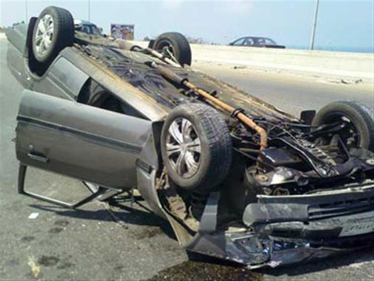 مصرع وكيل نيابة وإصابة 6 آخرين في انقلاب سيارة ببني سويف