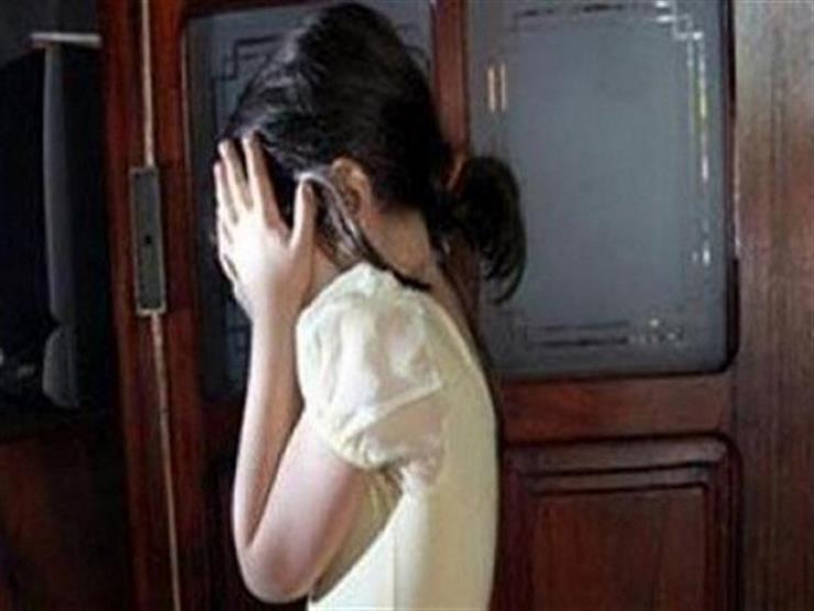 فتاة تتهم أباها باغتصاب شقيقتها الصغرى لمدة 6 أشهر