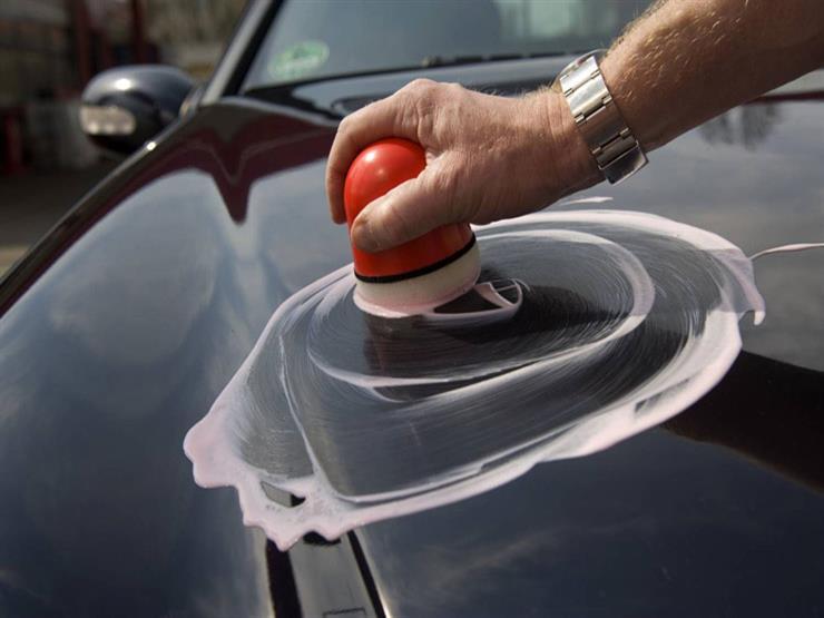 كيف تُعيد اللمعان لطلاء سيارتك في ثلاث خطوات؟
