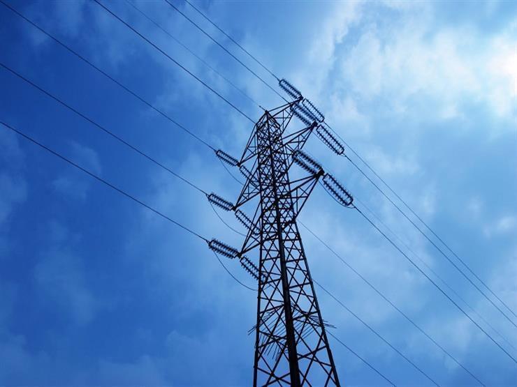 بدء تحويل شبكات الكهرباء الهوائية إلى أرضية في بورسعيد