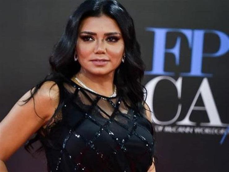 طارق الشناوي: ضعف حفل ختام مهرجان القاهرة سبب الجدل حول فستان رانيا يوسف