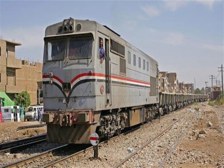 رسميًا.. السكة الحديد تحذر: غرامة مالية على التدخين وإلقاء القمامة