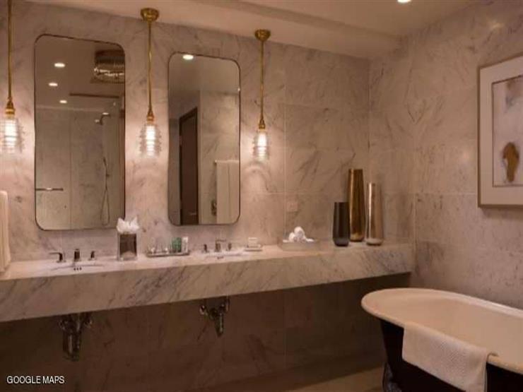 موظف فندق يصوِّر سيدة أثناء الاستحمام.. وتطلب 100 مليون دولار تعويض