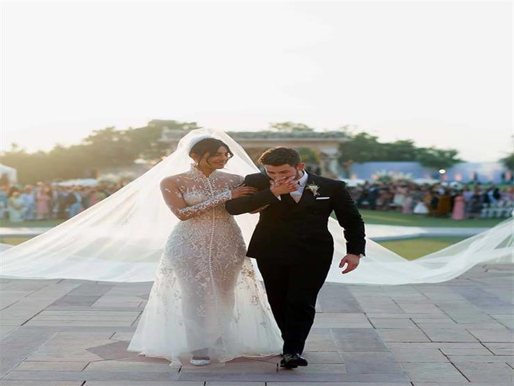 رسائل مخبأه في فستان زفاف بريانكا شوبرا الذي أبهر العالم.. تعرف عليها