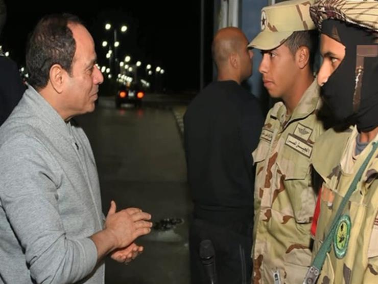تعليق تامر أمين على صورة الرئيس مع مجندي كمين رأس محمد