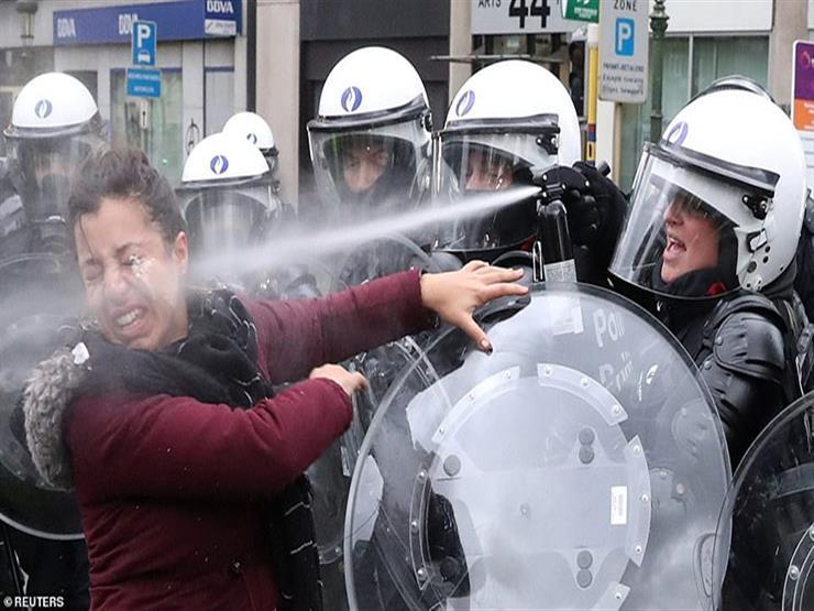 """الشرطة الفرنسية تستخدم خراطيم المياه لتفريق تظاهرات """"السترات الصفراء"""""""