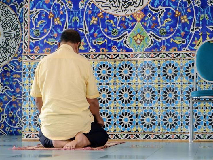 بالفيديو.. خالد الجندي: عدد ركعات الصلاة سُنة