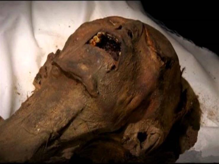 """""""مؤامرة الحريم"""" تكشف سر """"المومياء"""" المثيرة للجدل بالمتحف المصري -فيديو"""
